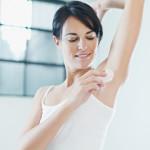 Parabenen in deodorants zijn mogelijke factor in het ontstaan van borstkanker. Jeanine Slot geeft regelmatig lezingen over kanker en voeding. Zij waarschuwt daar voor de risico's van parabenen en andere schadelijke stoffen. Jeanine Slot is orthomoleculair therapeut en klassiek homeopaat. Jeanine Slot is gespecialiseerd in de begeleiding van mensen met kanker.