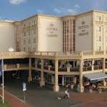 In de Hotels van Oranje in Noordwijk werd het symposium 'Samen sterker tegen kanker' gehouden over de relatie tussen kanker en voeding, met specialisten op het gebied van voeding bij kanker uit binnen- en buitenland
