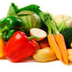 Zowel bij kanker als bij de Ziekte van Crohn is het van belang voldoende vitamine C met de voeding te nemen. Groente en fruit bevatten veel vitamine C. Het lichaam maakt zelf geen vitamine C aan. Om voldoende vitamine C binnen te krijgen zijn we dus volledig afhankelijk van onze voeding. Vanwege het gebruik van pesticiden is het gehalte aan vitamine C in onze voeding te laag. Vooral mensen met kanker en de Ziekte van Crohn zouden daarom vitamine C moeten aanvullen met een gezonde voeding. Jeanine Slot is orthomoleculair therapeut, gevestigd in Nieuwegein. Jeanine Slot is gespecialiseerd in de begeleiding van mensen met kanker. Jeanine Slot is lid van de MBOG. Zij geeft regelmatig lezingen over kanker en voeding. In haar lezingen legt Jeanine Slot de nadruk op de juiste vetten in de voeding. Vooral bij kanker en de Ziekte van Crohn is het van groot belang alle industrieel bewerkte vetten te mijden. In de begeleiding van mensen met kanker combineer Jeanine Slot adviezen over voeding met homeopathie.